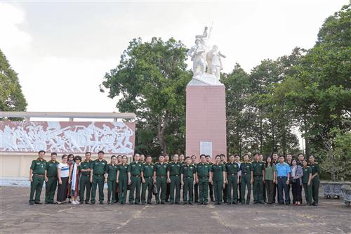 Đoàn cán bộ Bảo tàng thuộc hệ thống bảo tàng trong Quân đội và Bảo tàng Công an nhân dân nghiên cứu, khảo sát, trao đổi nghiệp vụ tại Quân khu 9