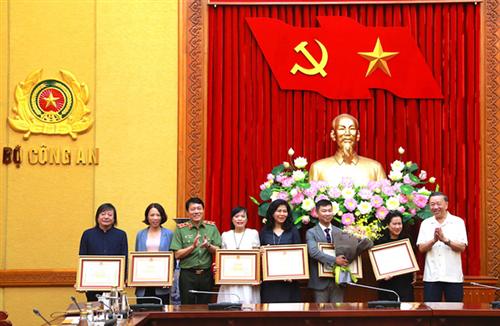 Bộ Công an tổ chức gặp mặt và khen thưởng tập thể, cá nhân xuất sắc  thuộc Đài Truyền hình Việt Nam