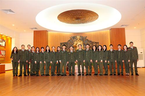 Đồng chí Cục trưởng Cục Công tác đảng và công tác chính trị gặp mặt chúc Tết và làm việc tại Bảo tàng Công an nhân dân
