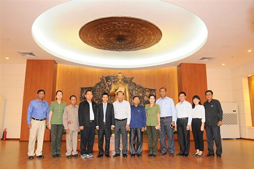 Đón đoàn đại biểu Cục Tuyên giáo, Tổng cục Hậu cần – Tài chính  Bộ Nội vụ Vương quốc Campuchia  tham quan Bảo tàng Công an nhân dân