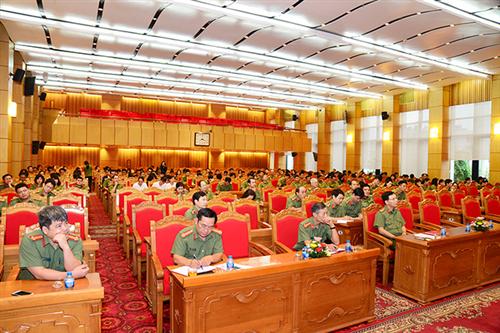 Hội nghị báo cáo thời sự cho lãnh đạo và cán bộ, chiến sĩ  Cục Công tác đảng và công tác chính trị