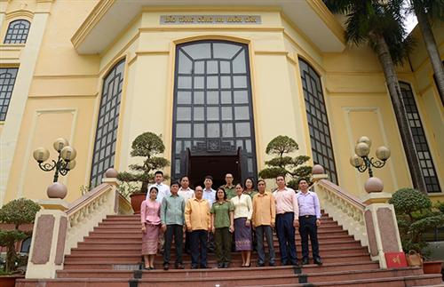 Đoàn đại biểu Cục Nghiên cứu khoa học và lịch sử Bộ An ninh Lào thăm và làm việc tại Bảo tàng Công an nhân dân