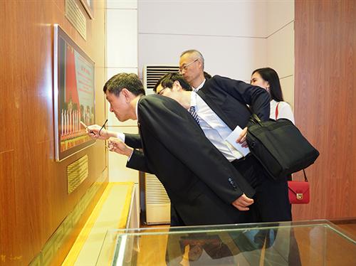 Thứ trưởng Bộ An ninh Quốc gia Trung Quốc tham quan Bảo tàng Công an nhân dân