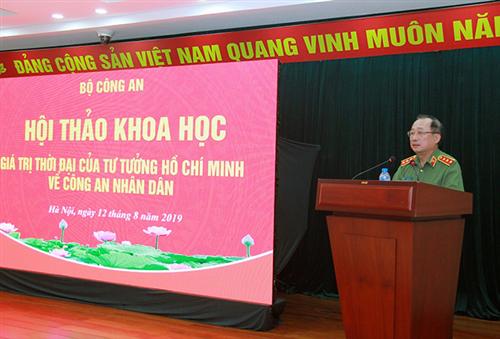 Vận dụng tư tưởng Hồ Chí Minh vào công tác Công an trong tình hình mới