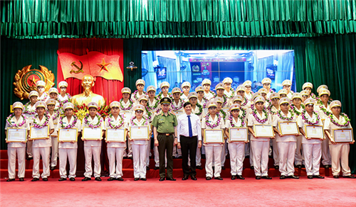 Bộ Công an tổ chức sơ kết 03 năm thực hiện chỉ thị số 05-CT/TW, ngày 15/5/2016 của Bộ Chính trị về đẩy mạnh học tập và làm theo tư tưởng, đạo đức, phong cách Hồ Chí Minh