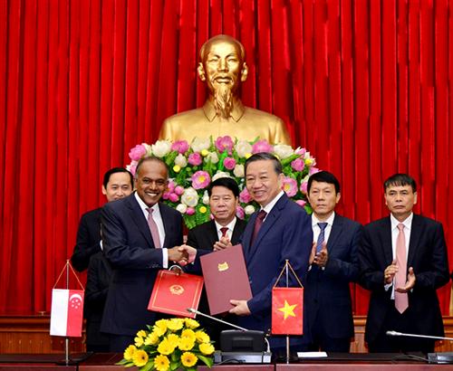 Việt Nam - Singapore đẩy mạnh hợp tác phòng, chống tội phạm