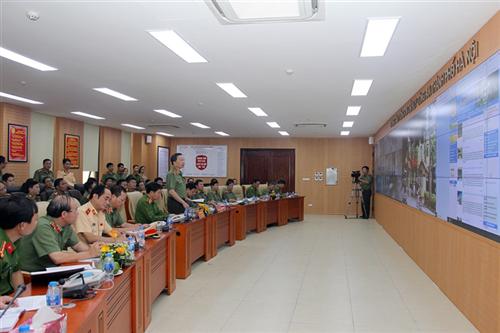 Đoàn công tác Bộ Công an kiểm tra Trung tâm thông tin chỉ huy Công an thành phố Hà Nội