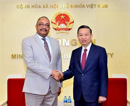 Góp phần thúc đẩy quan hệ hợp tác giữa Việt Nam và Angola