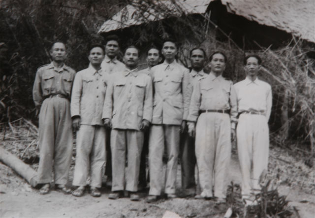 3.Các đồng chí đại biểu tham dự Đại hội Đại biểu mặt trận Neo Lào Ít xa la, ngày 13.08.1950