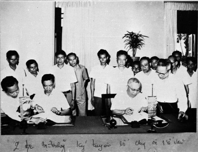 59.Lễ ký tuyên bố chung giữa Bộ Nội vụ Việt Nam và Bộ Nội vụ Lào, ngày 7.5.1979.