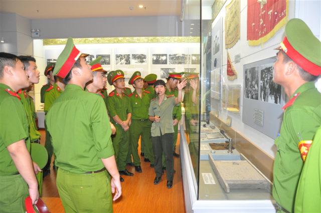 Chủ đề 1: Công an nhân dân Việt Nam ra đời, đấu tranh bảo vệ chính quyền cách mạng, kháng chiến chống thực dân Pháp xâm lược (1945-1954)